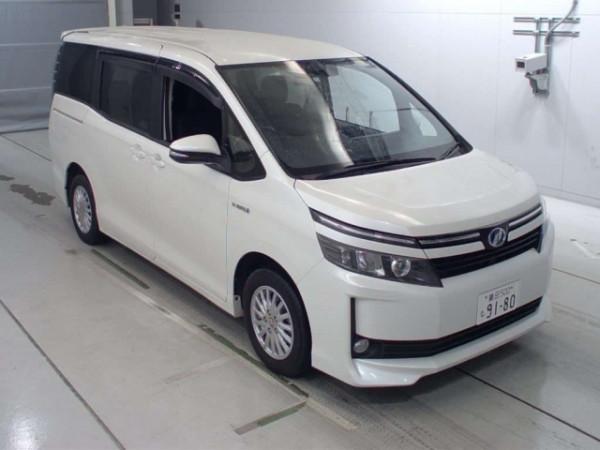 Toyota Voxy 2016